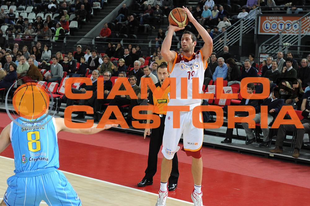 DESCRIZIONE : Roma Lega A 2010-11 Lottomatica Virtus Roma Vanoli Braga Cremona<br /> GIOCATORE : Vladimir Dasic<br /> SQUADRA : Vanoli Braga Cremona<br /> EVENTO : Campionato Lega A 2010-2011 <br /> GARA : Lottomatica Virtus Roma Vanoli Braga Cremona<br /> DATA : 28/11/2010<br /> CATEGORIA : Tiro Three Points<br /> SPORT : Pallacanestro <br /> AUTORE : Agenzia Ciamillo-Castoria/GiulioCiamillo<br /> Galleria : Lega Basket A 2010-2011 <br /> Fotonotizia :Roma Lega A 2010-11 Lottomatica Virtus Roma Vanoli Braga Cremona<br /> Predefinita :