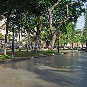 PLAZA BOLIVAR<br /> Caracas - Venezuela 2008<br /> Photography by Aaron Sosa<br /> <br /> La Plaza Bolívar de Caracas es uno de los espacios públicos más importantes y reconocidos de Venezuela, se encuentra ubicada en el centro histórico de esa ciudad en la Parroquia Catedral del Municipio Libertador, en la manzana central de las 25 con las que fue creada Santiago de León de Caracas en 1567...La Plaza Bolívar está rodeada por edificaciones importantes como la Catedral de Caracas, el Museo Sacro, el Palacio Arzobispal, el Palacio Municipal, Capilla de Santa Rosa de Lima, la Casa Amarilla y el edificio de la Alcaldía Metropolitana, además al suroeste de ella se encuentra el Palacio Federal Legislativo.