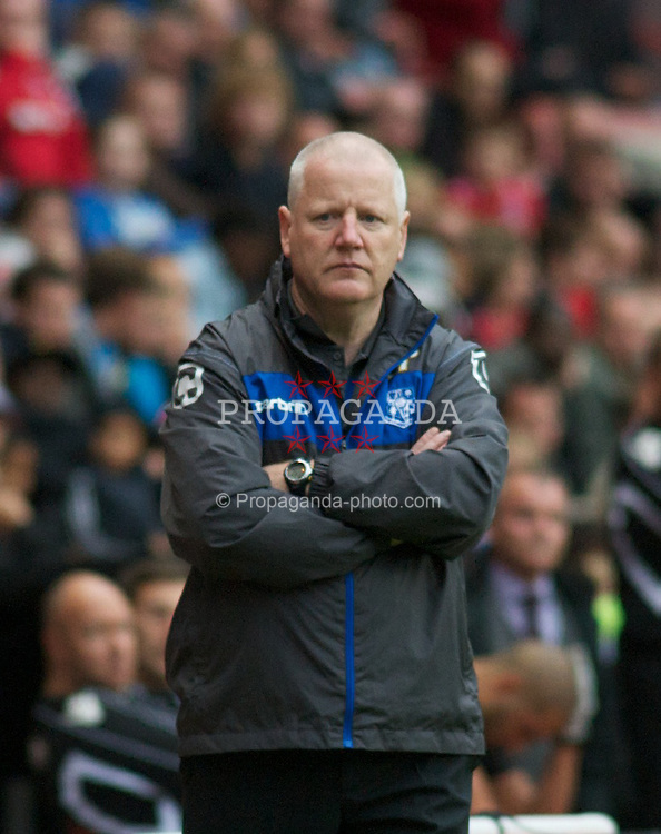 LONDON, ENGLAND - Saturday, October 8, 2011: Tranmere Rovers' Manager Les Parry against Charlton Athletic during the Football League One match at The Valley. (Pic by Gareth Davies/Propaganda)