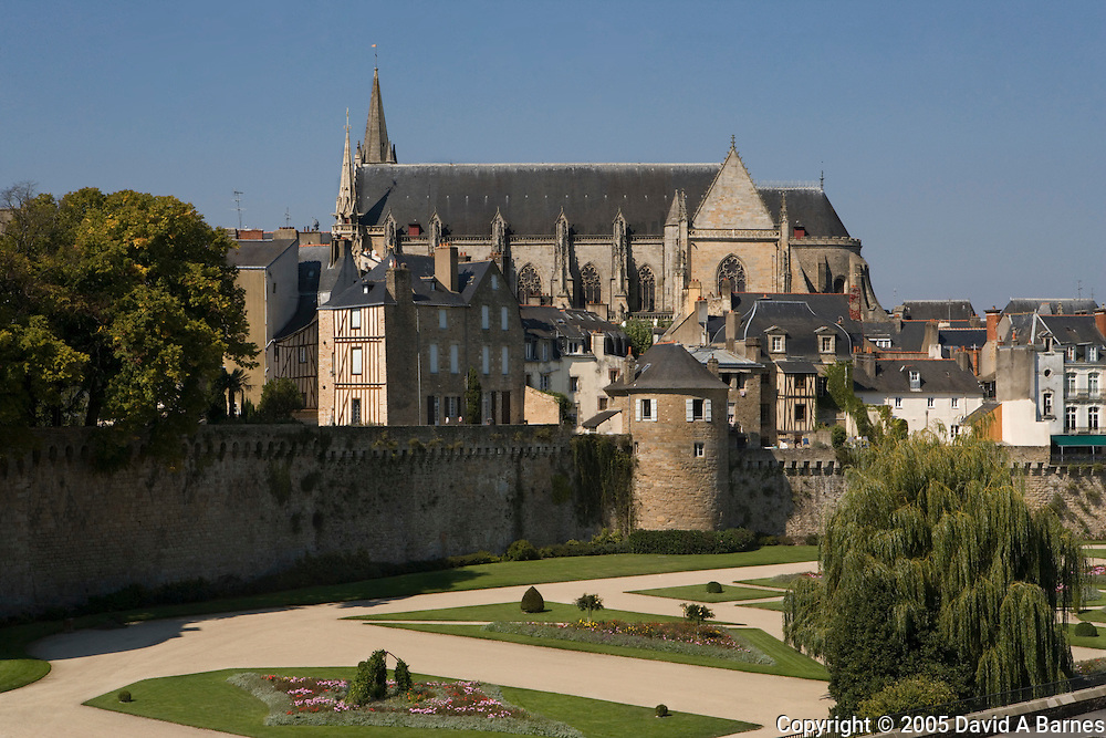 Rampart, Cathedral St Pierre, Vannes, Morbihan, Brittany, France.