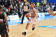 DESCRIZIONE : Final Eight Coppa Italia 2015 Desio Quarti di Finale Olimpia EA7 Emporio Armani Milano - Sidigas Scandone Avellino<br /> GIOCATORE : Daniel Hackett<br /> CATEGORIA : Penetrazione Passaggio<br /> SQUADRA : Olimpia EA7 Emporio Armani Milano<br /> EVENTO : Final Eight Coppa Italia 2015 Desio<br /> GARA : Olimpia EA7 Emporio Armani Milano - Sidigas Scandone Avellino<br /> DATA : 20/02/2015<br /> SPORT : Pallacanestro <br /> AUTORE : Agenzia Ciamillo-Castoria/L.Canu
