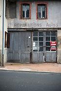 21/10/16 - MONTAIGUT EN COMBRAILLES - ALLIER - FRANCE - Commerce ferme dans le Bourbonnais - Photo Jerome CHABANNE