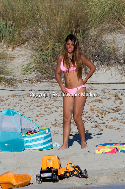 IBIZA, SPAIN, 2016, JULY 16 <br /> <br /> Leo Messi, affectionately known as the flea, enjoy these days in Ibiza waters with Antonella Roccuzzo and the two children of the couple, Thiago and Matthew, to forget the hard swallow of the Copa America in which Leo wept bitterly defeat your selection<br /> ©Exclusivepix Media