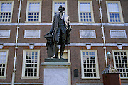 Image of Independence Hall with statue of George Washington in Philadelphia, Pennsylvania, American Northeast