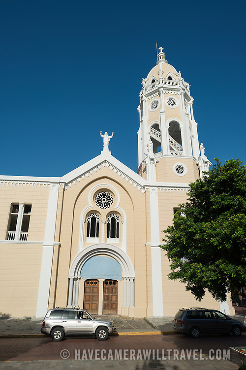 Destroyed by fire twice in the mid-1700s, Iglesia San Francisco de Asis is undergoing yet another another renovation. It sits across from the National Theater on the waterfront of Casco Viejo, facing Plaza Bolivar.