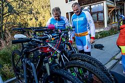 15-09-2017 ITA: BvdGF Tour du Mont Blanc day 6, Courmayeur <br /> We starten met een dalende tendens waarbij veel uitdagende paden worden verreden. Om op het dak van deze Tour te komen, de Grand Col Ferret 2537 m., staat ons een pittige klim (lopend) te wachten. Na een welverdiende afdaling bereiken we het Italiaanse bergstadje Courmayeur. Peter en Jan