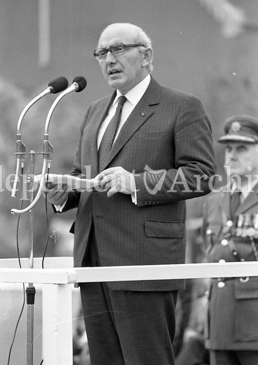 Minister for Defence Patrick Cooney gives an encouraging speach to the 58th Infantry Battalion UNIFIL at McKee Barracks that are off to the Lebanon on a Peacekeeping Mission, 16/10/1985 (Part of the Independent Newspapers Ireland/NLI Collection).