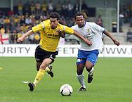 27-05-2007: Voetbal: VVV Venlo - RKC Waalwijk: Venlo<br /> RKC Waalwijk is gedegradeerd naar de Jupiler League.<br /> Fung a Wing verliest het op snelheid van Ekrim Kahya<br /> foto : Geert van Erven
