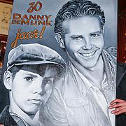 NLD/Amsterdam/20130311 - CD presentatie jubileum cd Danny de Munk, Danny met kunstwerk en kunstenaar