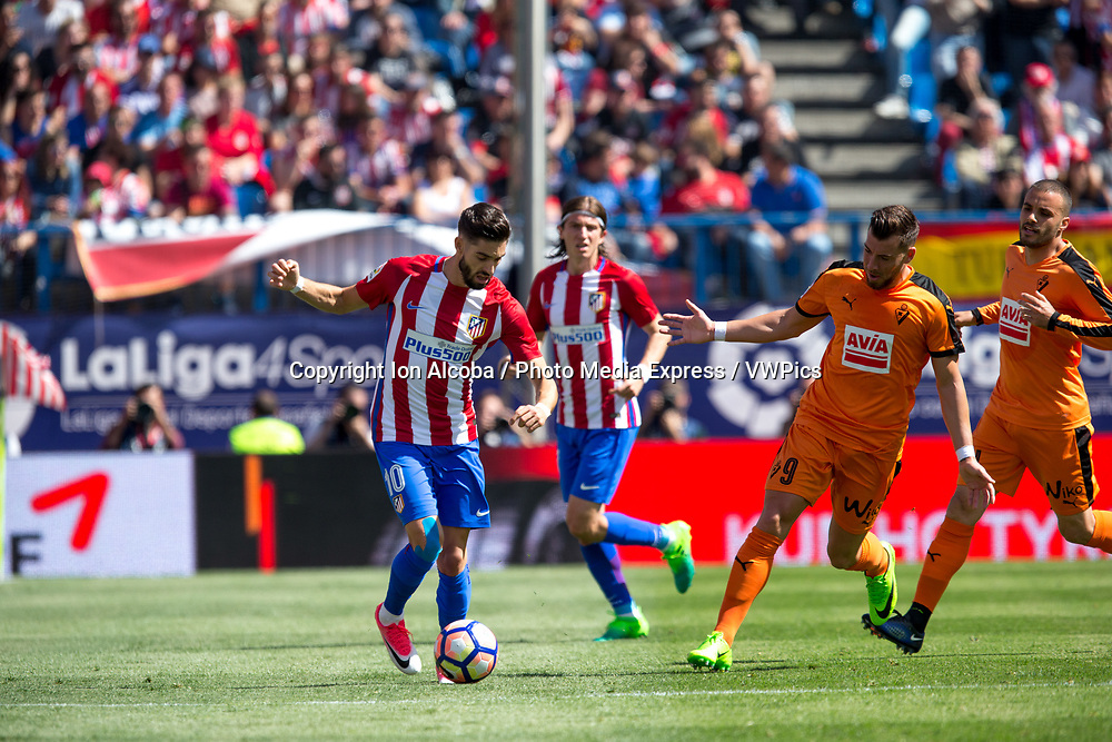 Madrid, May 6, 2017 - Atletico de Madrid defeated 1-0 Eibar with goal scored by Saul at 69th minute. La Liga Santander matchday 36 game, Vicente Calderon Stadium. Photo by Ion Alcoba | PHOTO MEDIA EXPRESS. 10 Carrasco, 9 Sergi Enrich.