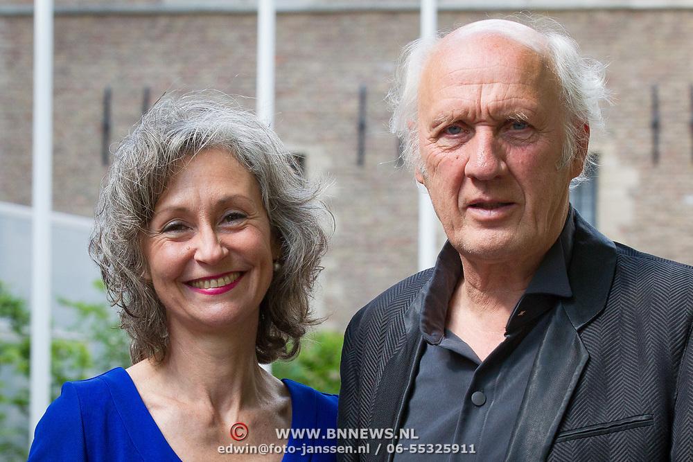 NLD/Middelburg/20180516 - Uitreiking Four Freedom Awards 2018, Herman van Veen en partner Gaëtane Bouchez