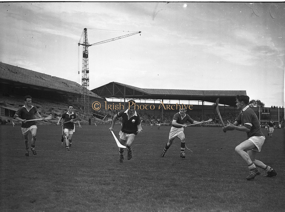 Neg No: .A801/4571-4583...1958AIMHCF.07.09.1958, 09.07.1958, 7th September 1958,.All Ireland Minor Hurling Championship - Final...Limerick.05-08.Galway.03-10
