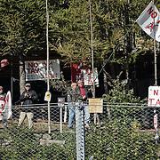 CHIOMONTE (TORINO) -10 ottobre 2016 -  protesta  e presidio NO TAV lungo la recinzione del cantiere galleria geognostica della ferrovia TAV Torino Lione.