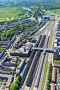 Nederland, Noord-Brabant, Den Bosch, 13-05-2019; NS station Den Bosch en omgeving. Oranje Nassaulaan, Stationsplein. Zcht op de binenstad, Bossche Broek in het verschiet.<br /> Railway station Den Bosch and surroundings.<br /> luchtfoto (toeslag op standard tarieven);<br /> aerial photo (additional fee required);<br /> copyright foto/photo Siebe Swart