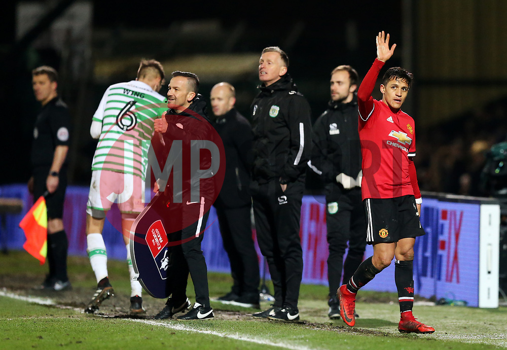 Alexis Sanchez of Manchester United waves to the fans after being substituted- Rogan/JMP - 26/01/2018 - FOOTBALL - Huish Park - Yeovil, England - Yeovil Town v Manchester United - FA Cup Fourth Round.