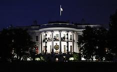 Washington: US Presidential motorcade drives on the George Washington Parkway, 29 Oct. 2016