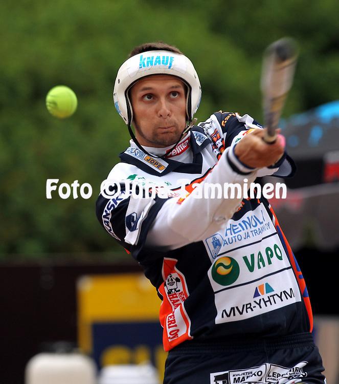 20.07.2010, Pohjanlinnan Pesisstadion, Kankaanp??..Ykk?spesis 2010, Kankaanp??n Maila - Alaj?rven Ankkurit..Mikko Savonen - KaMa.©Juha Tamminen.