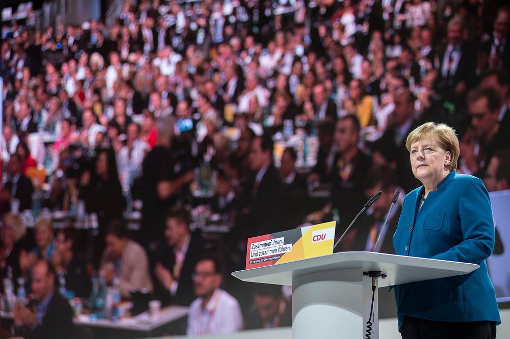 07 DEC 2018, HAMBURG/GERMANY:<br /> Angela Merkel, CDU, Bundeskanzlerin, haelt Ihre letzte Rede als Parteivorsitzende, CDU Bundesparteitag, Messe Hamburg<br /> IMAGE: 20181207-01-027<br /> KEYWORDS: party congress, speech