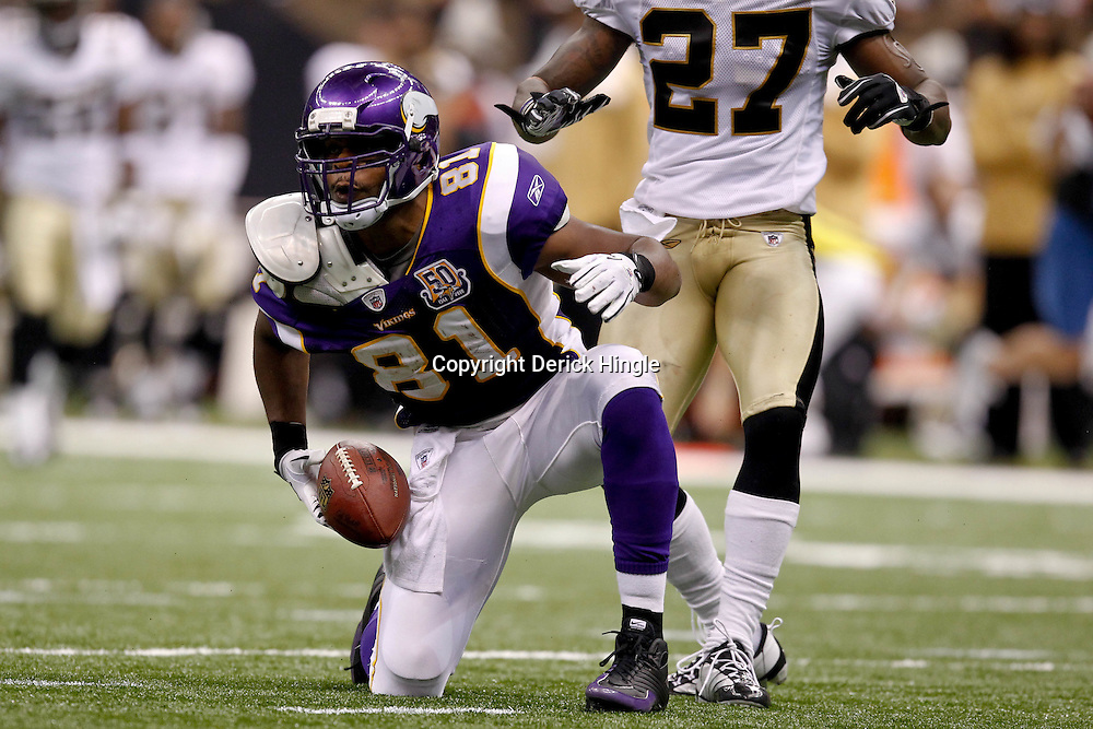September 9, 2010; New Orleans, LA, USA; Minnesota Vikings tight end Visanthe Shiancoe (81) celebrates after a reception during the NFL Kickoff season opener at the Louisiana Superdome. The New Orleans Saints defeated the Minnesota Vikings 14-9.  Mandatory Credit: Derick E. Hingle