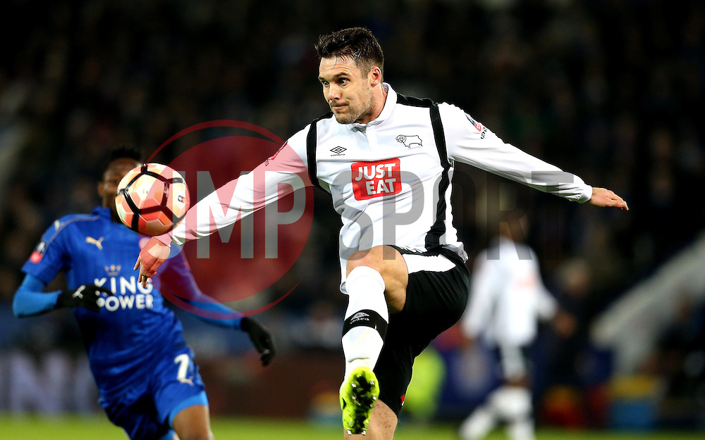 Jason Shackell of Derby County passes the ball - Mandatory by-line: Robbie Stephenson/JMP - 08/02/2017 - FOOTBALL - King Power Stadium - Leicester, England - Leicester City v Derby County - Emirates FA Cup fourth round replay