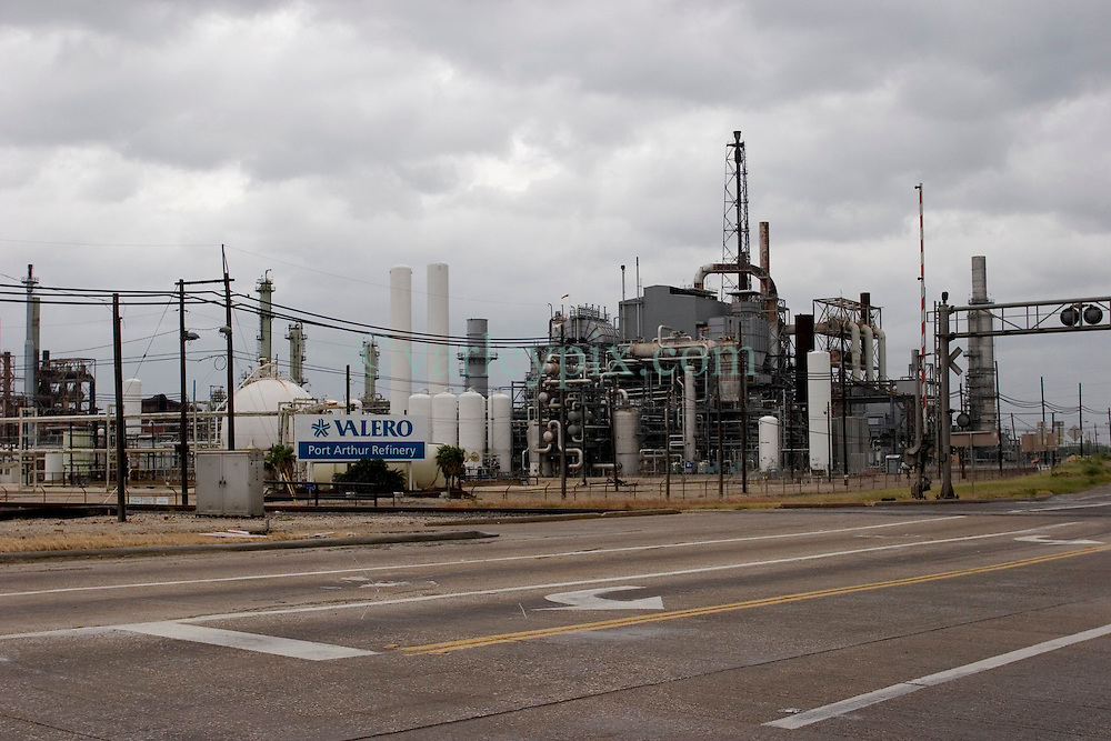 23 Sept 2005. Port Arthur, Texas.  Hurricane Rita evacuation. <br /> The deserted streets around the Valero Port Arthur refinery the day before the storm hits.<br /> Photo; ©Charlie Varley/varleypix.com
