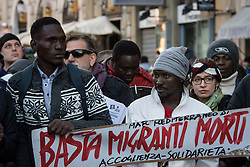 November 12, 2016 - Rome, Italy - Protesters attend a demonstration in support of migrants and against racism and exploitation in Rome. (Credit Image: © Andrea Ronchini/Pacific Press via ZUMA Wire)