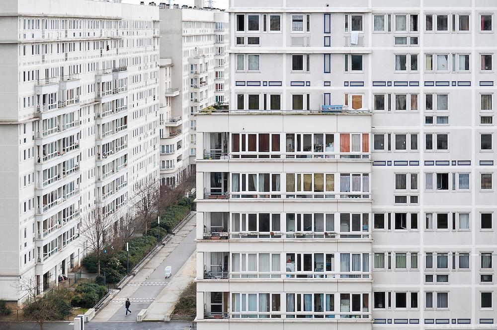 Le grand ensemble La Caravelle, à Villeneuve-la-Garenne (92, Hauts-de-Seine). Architecte Jean Dubuisson, réhabilité par l'architecte Roland Castro en 1995.