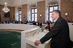 14.12.2010, Landtag, Graz, AUT, Sitzung des Steiermärkischen Landtags, im Bild LAbg. Lambert Schönleitner, EXPA Pictures © 2010, PhotoCredit: EXPA/ Erwin Scheriau