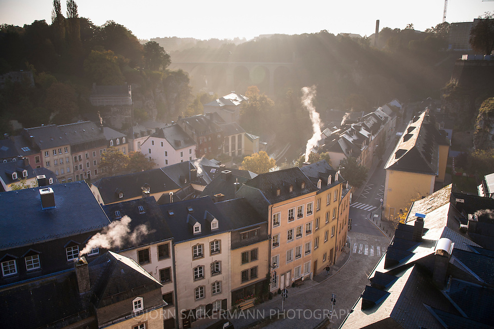 LUX, Luxembourg, city of Luxembourg, the district Grund, early morning.<br /> <br /> LUX, Luxemburg, Stadt Luxemburg, der Stadtteil Grund, frueher Morgen.