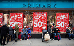 © Licensed to London News Pictures. 26/12/2012. London, UK. As thousands across the UK take advantage of Boxing Day sales  shoppers take a break outside Primark on Oxford Street in London today (26/12/12). Photo credit: Matt Cetti-Roberts/LNP