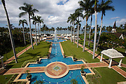 Maui, Grand Wailea Resort Hotel & Spa. The wedding chapel (r.)
