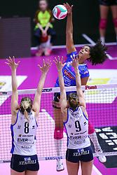 28-04-2017 ITA: Pomi Casalmaggiore - Igor Gorgonzola Novara, Cremona<br /> Semi Final playoff / Celeste Plak #4<br /> <br /> ***NETHERLANDS ONLY***
