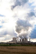Europa, Deutschland, Nordrhein-Westfalen, das Braunkohlekraftwerk Weisweiler in Eschweiler-Weisweiler.<br /> <br /> Europe, Germany, North Rhine-Westphalia, the lignite-fired power plant Weisweiler in Eschweiler-Weisweiler.