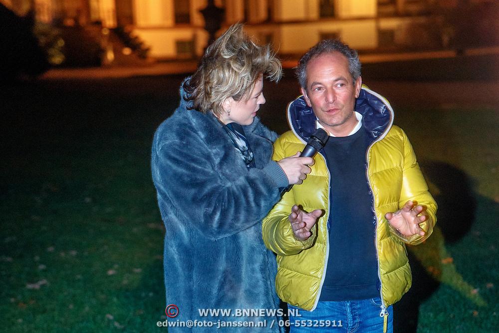 NLD/Soest/20181206 - KWF Kankerbestrijding onthult 3e editie lampionnenactie, Mirella van Markus en Andre van der Toorn