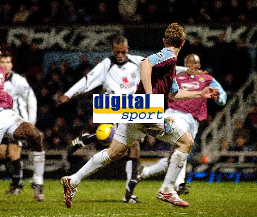 Photo: Leigh Quinnell.<br /> West Ham United v Fulham. The Barclays Premiership. 13/01/2007. Fulhams Philippe Christanval scores a late goal to get Fulham the draw.