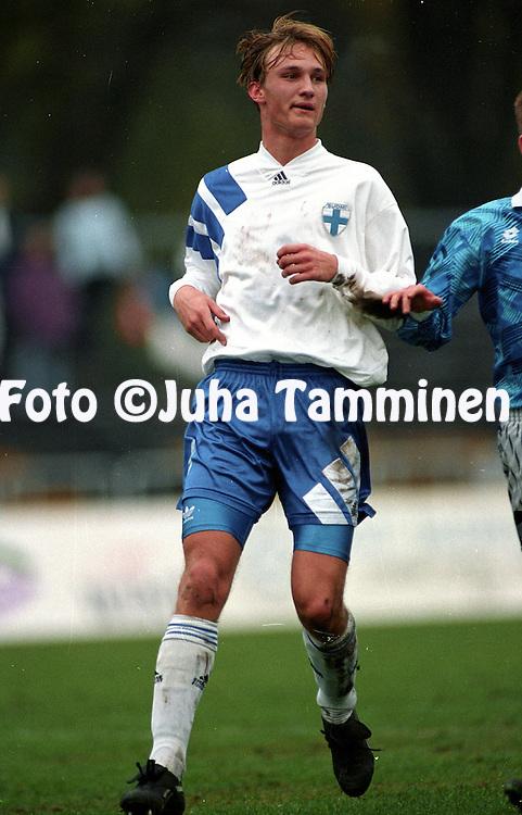 26.10.1994, Tallinn, Estonia..Friendly match, Estonia v Finland.Sami Hyypi? - Finland.©JUHA TAMMINEN