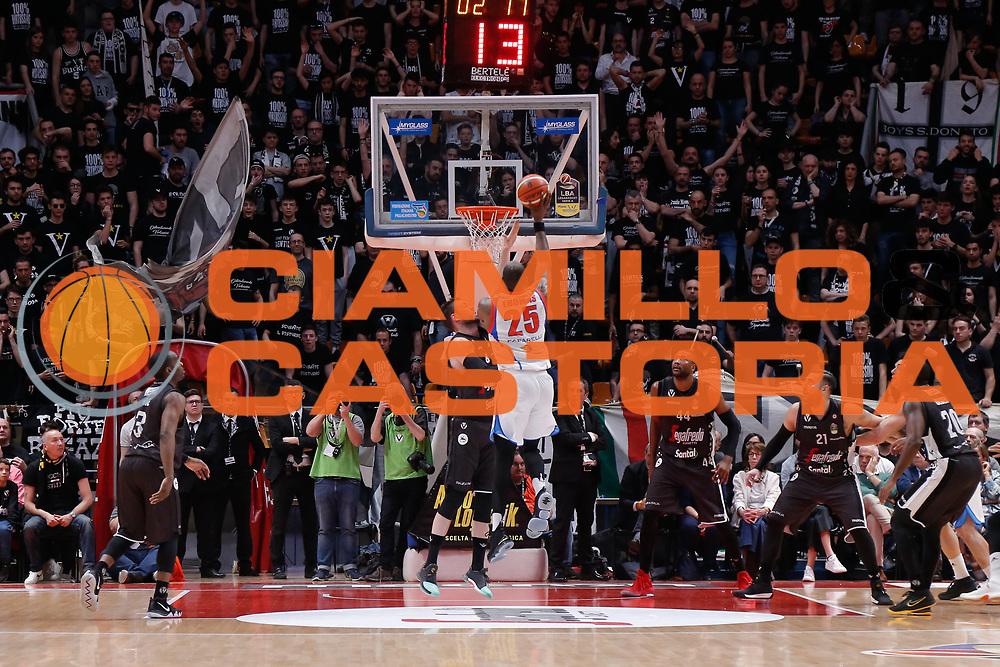 Thomas Charles<br /> Segafredo Virtus Bologna - Redoctober Cantu<br /> Legabasket Serie A 2017/18<br /> Bologna, 07/04/2018<br /> Foto MarcoBrondi / Ciamillo-Castoria