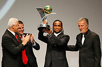 "20091207: RIO DE JANEIRO, BRAZIL - Brazilian Football Awards 2009 (""Craque Brasileirao 2009""), held at the Museum of Modern Art in Rio de Janeiro. In picture: Carlos Alberto (Vasco da Gama) receives the trophy of the Brazilian Second League (Serie B), won by Vasco da Gama. PHOTO: CITYFILES"