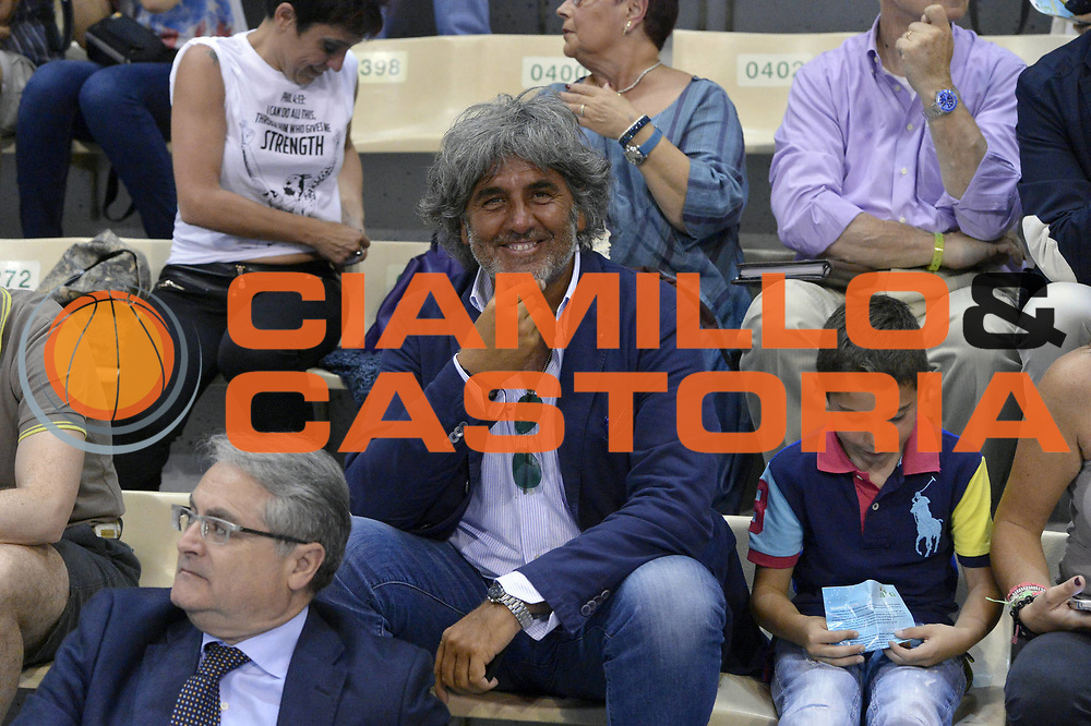 DESCRIZIONE : Roma Lega A 2012-2013 Montepaschi Siena Acea Roma playoff finale gara 4<br /> GIOCATORE : Franco Del Moro<br /> CATEGORIA : Tifosi<br /> SQUADRA : <br /> EVENTO : Campionato Lega A 2012-2013 playoff finale gara 4<br /> GARA : Montepaschi Siena Acea Roma<br /> DATA : 17/06/2013<br /> SPORT : Pallacanestro <br /> AUTORE : Agenzia Ciamillo-Castoria/GiulioCiamillo<br /> Galleria : Lega Basket A 2012-2013  <br /> Fotonotizia : Roma Lega A 2012-2013 Montepaschi Siena Acea Roma playoff finale gara 4<br /> Predefinita :