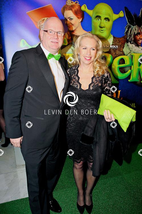 AMSTERDAM - In het RAI Theater is de Galapremiere SHREK de Musical gestart. Met op de groene loper  Ruud de Graaf en zijn vrouw Margreet Duin. FOTO LEVIN DEN BOER - PERSFOTO.NU