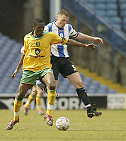Photo: Aidan Ellis.<br /> Sheffield Wednesday v Norwich City. Coca Cola Championship. 15/04/2006.<br /> Norwich's Dickson Etuhu and Sheffield's Lee Bullen