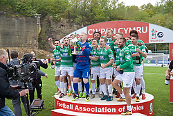 RHOSYMEDRE, WALES - Sunday, May 5, 2019: The New Saints' captain goalkeeper Paul Harrison lifts the trophy after the FAW JD Welsh Cup Final between Connah's Quay Nomads and The New Saints at The Rock. The New Saints won 3-0. (Pic by David Rawcliffe/Propaganda)