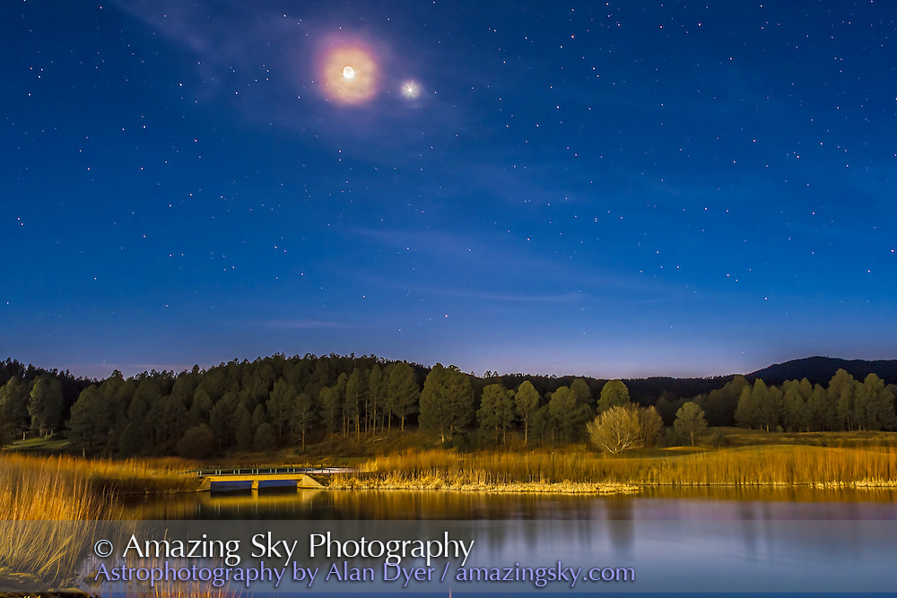 Moon & Venus Conjunction Over Pond #2 | Amazing Sky