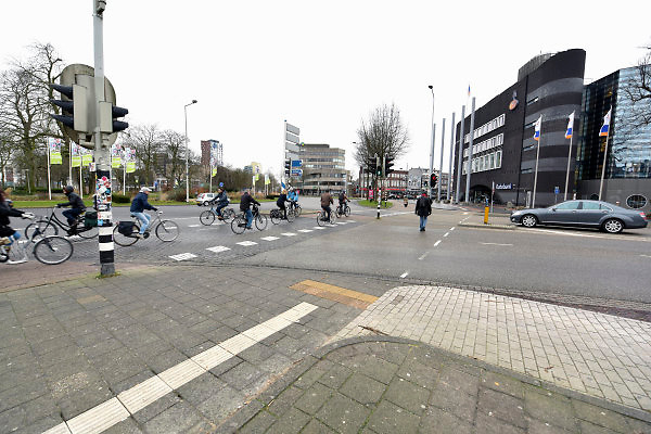 Nederland, Nijmgegen, 15-1-2018Het KeizerKarelplein is het gevaarlijkste plein, verkeersplein, van het land. Verkeer wat op de rotonde rijdt moet voorrang geven aan dat wat de rotonde op komt.Foto: Flip Franssen