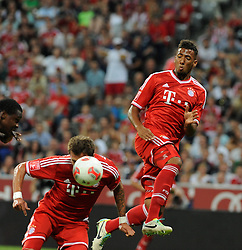 01.08.2013, Allianz Arena, Muenchen, Audi Cup 2013, FC Bayern Muenchen vs Manchester City, im Bild, Mario MANDZUKIC (FC Bayern Muenchen), unten, koepft zum 2:1 fuer Bayern. Hinten Jerome BOATENG (FC Bayern Muenchen) // during the Audi Cup 2013 match between FC Bayern Muenchen and Manchester City at the Allianz Arena, Munich, Germany on 2013/08/01. EXPA Pictures © 2013, PhotoCredit: EXPA/ Eibner/ Wolfgang Stuetzle<br /> <br /> ***** ATTENTION - OUT OF GER *****