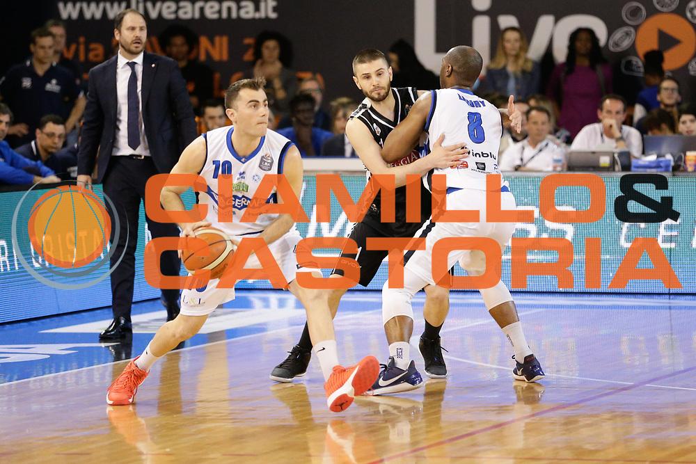 Franko Bushati, Dardan Berisha<br /> Germani Basket Brescia Leonessa - Pasta Reggia Juve Caserta<br /> Lega Basket Serie A 2016/2017<br /> Montichiari, 02/04/2017<br /> Foto Ciamillo-Castoria / M. Brondi