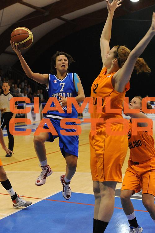 DESCRIZIONE : Pomezia Nazionale Italia Donne Torneo Citt&agrave; di Pomezia Italia Olanda<br /> GIOCATORE :giorgia sottana<br /> CATEGORIA : tiro<br /> SQUADRA : Italia Nazionale Donne Femminile<br /> EVENTO : Torneo Citt&agrave; di Pomezia<br /> GARA : Italia Olanda<br /> DATA : 26/05/2012 <br /> SPORT : Pallacanestro<br /> AUTORE : Agenzia Ciamillo-Castoria/GiulioCiamillo<br /> Galleria : FIP Nazionali 2012<br /> Fotonotizia : Pomezia Nazionale Italia Donne Torneo Citt&agrave; di Pomezia Italia Olanda