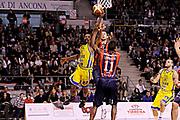 DESCRIZIONE : Ancona Lega A 2011-12 Fabi Shoes Montegranaro Angelico Biella<br /> GIOCATORE : Jerel Mc Neal<br /> CATEGORIA : tiro penetrazione<br /> SQUADRA : Fabi Shoes Montegranaro<br /> EVENTO : Campionato Lega A 2011-2012<br /> GARA : Fabi Shoes Montegranaro Angelico Biella<br /> DATA : 13/11/2011<br /> SPORT : Pallacanestro<br /> AUTORE : Agenzia Ciamillo-Castoria/C.De Massis<br /> Galleria : Lega Basket A 2011-2012<br /> Fotonotizia : Ancona Lega A 2011-12 Fabi Shoes Montegranaro Angelico Biella<br /> Predefinita :