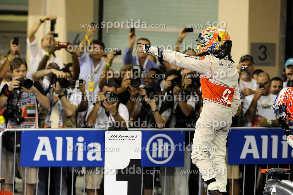 13.11.2011, Yas-Marina-Circuit, Abu Dhabi, UAE, Grosser Preis von Abu Dhabi, im Bild Lewis Hamilton (GBR), McLaren F1 Team  // during the Formula One Championships 2011 Large price of Abu Dhabi held at the Yas-Marina-Circuit, 2011/11/12. EXPA Pictures © 2011, PhotoCredit: EXPA/ nph/ Dieter Mathis..***** ATTENTION - OUT OF GER, CRO *****