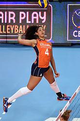 08-01-2016 TUR: European Olympic Qualification Tournament Nederland - Italie, Ankara<br /> De volleybaldames hebben op overtuigende wijze de finale van het olympisch kwalificatietoernooi in Ankara bereikt. Italië werd in de halve finales met 3-0 (25-23, 25-21, 25-19) aan de kant gezet / Celeste Plak #4